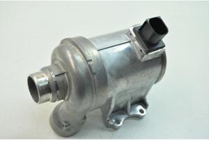 31368715 702702580 31368419沃尔沃S60 S80 S90 V40 V60 V90 XC70 XC90 1.5T 2.0T的汽车水泵发动机冷却零件